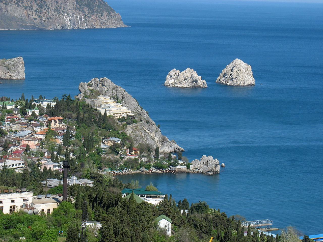 Вид на скалы Адалары и Гурзуф