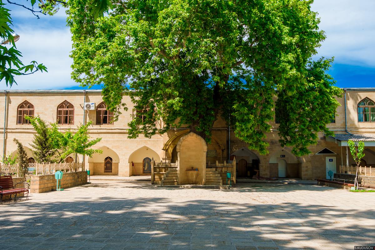 Джума-мечеть в Дербенте, двор