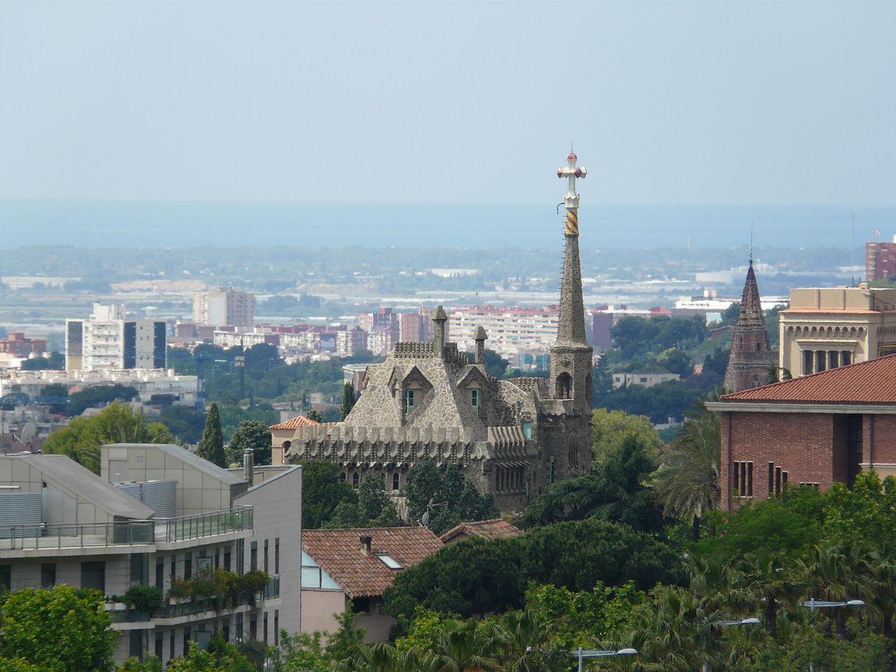 Вид на башню Бельесгуард, Барселона