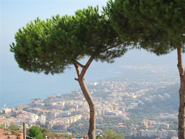 Вид на Сорренто, Италия