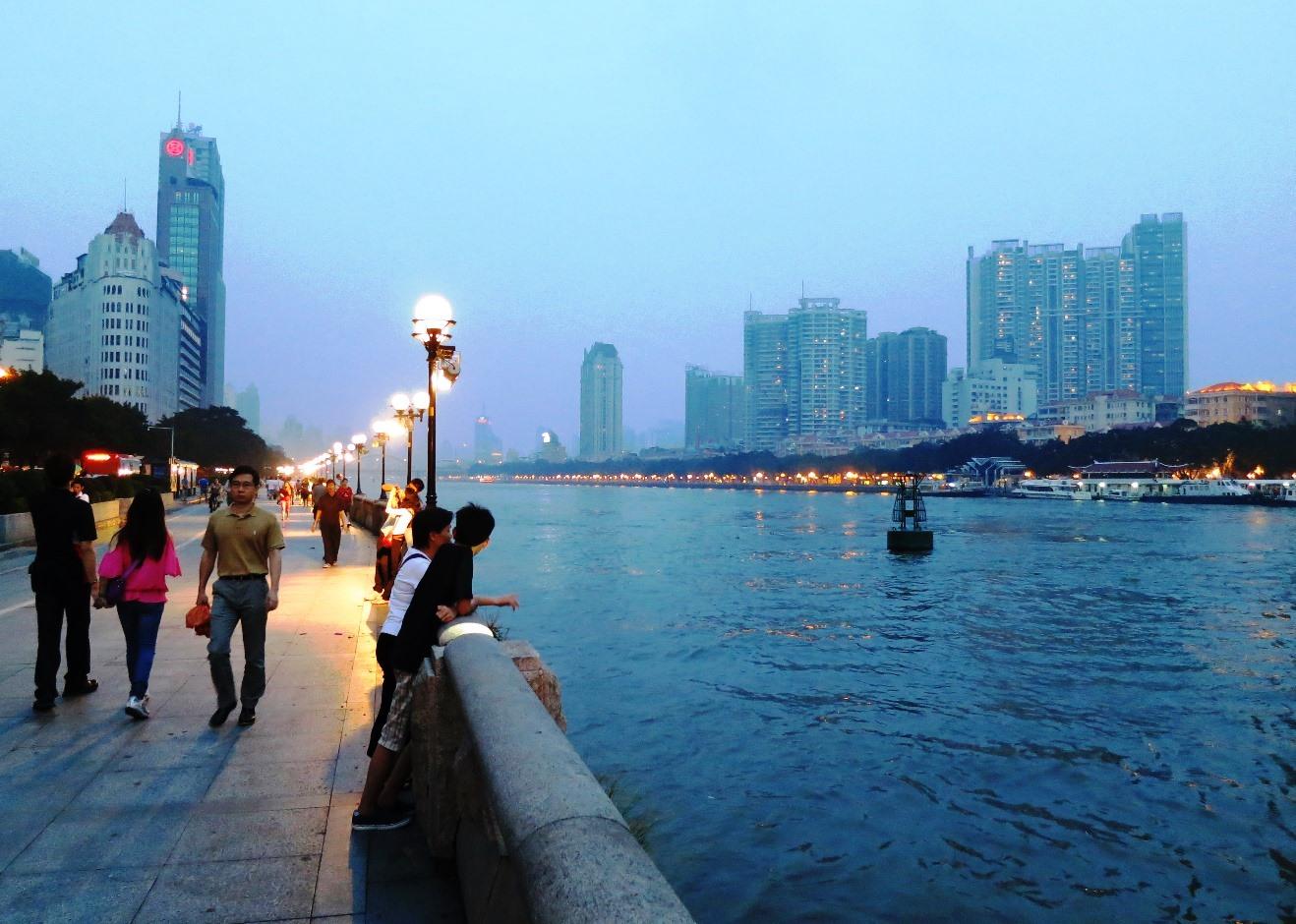 Набережная Жемчужной реки в Гуанчжоу