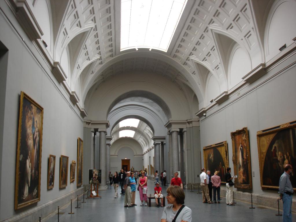 Центральная галерея в музее Прадо, Мадрид