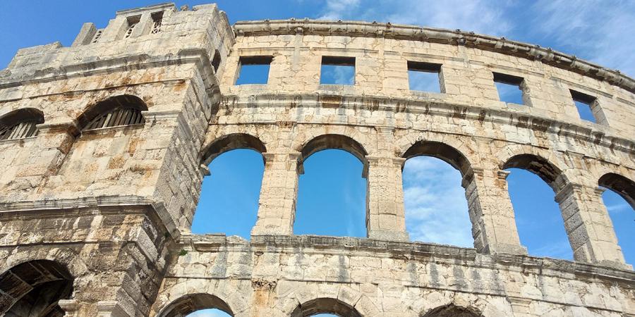 Древний колизей, Пула