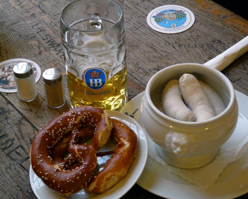 Типичный баварский завтрак, ресторан Хофбройхаус