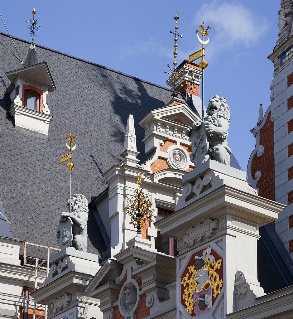 Дом Черноголовых, крыша