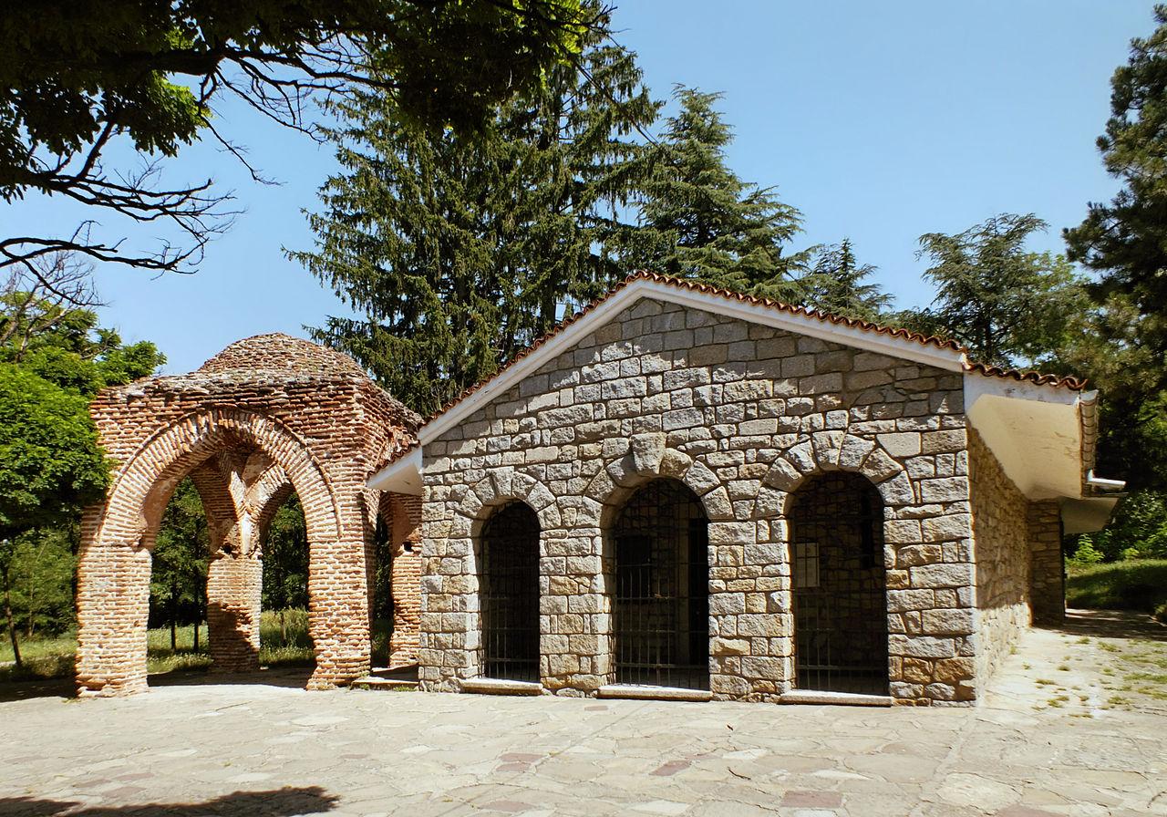 Фракийская гробница в Казанлыке, IV-III вв до н. э.