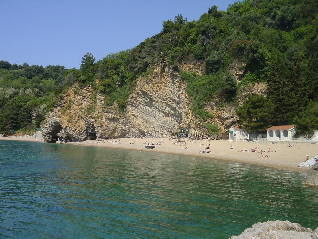 Вид на пляж Могрен с моря