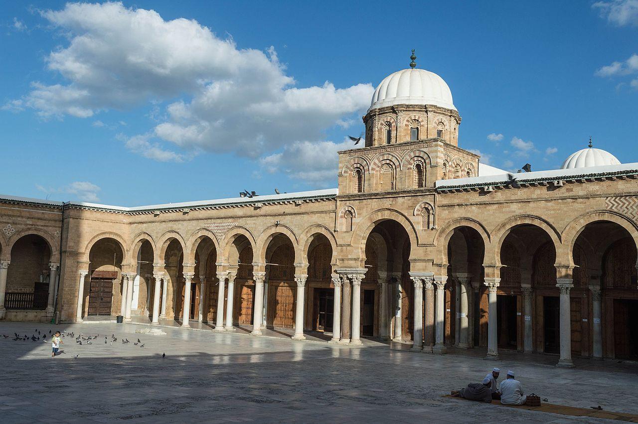 Медина города Тунис, аркады мечети Зитуна