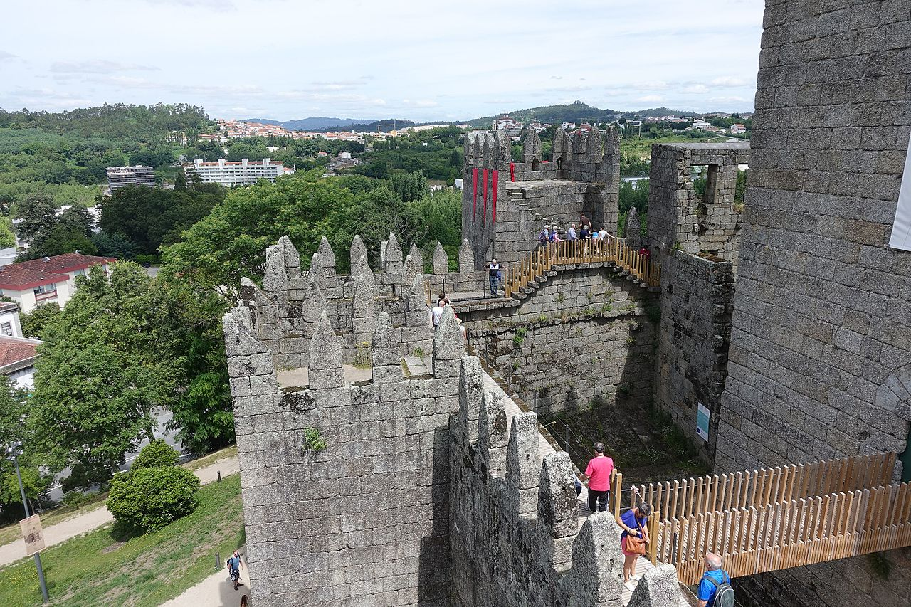Замок Гимарайнш, вид на город