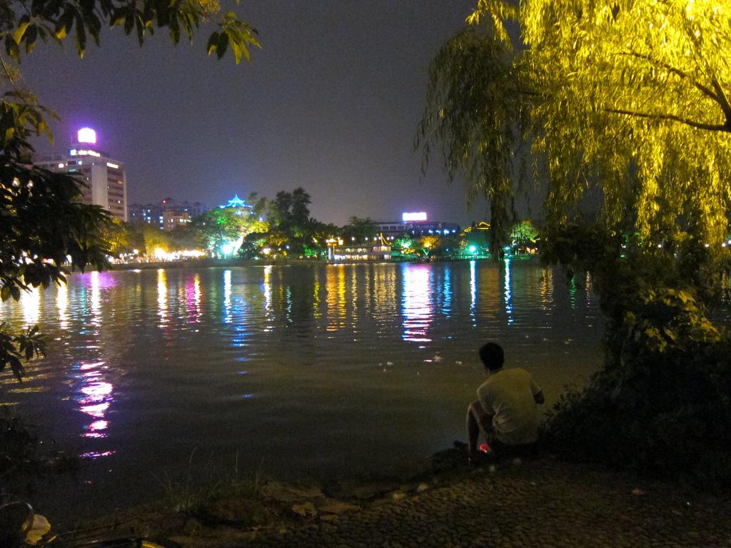 Ночные огни озера Сиху
