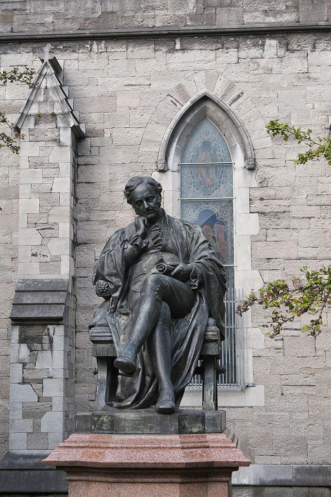 Собор Святого Патрика в Дублине, статуя Бенджамина Гиннесса