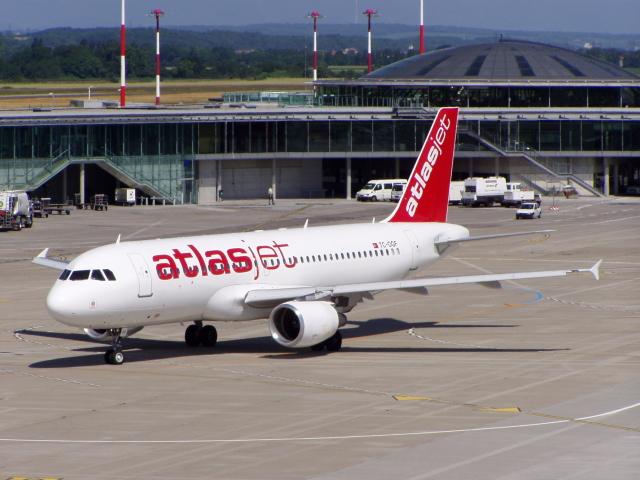Atlasjet A320.jpg