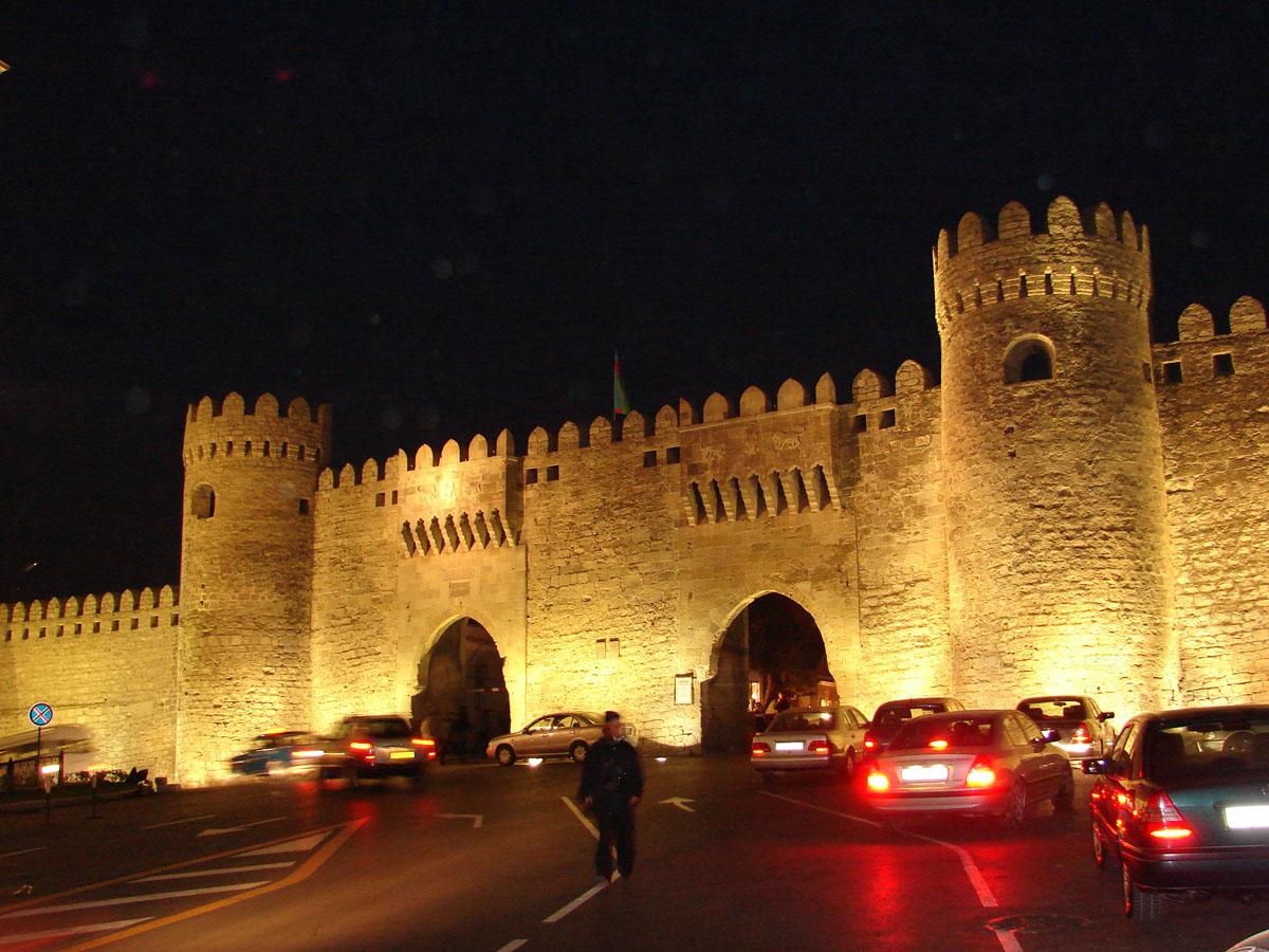 Вид на Старый город Баку