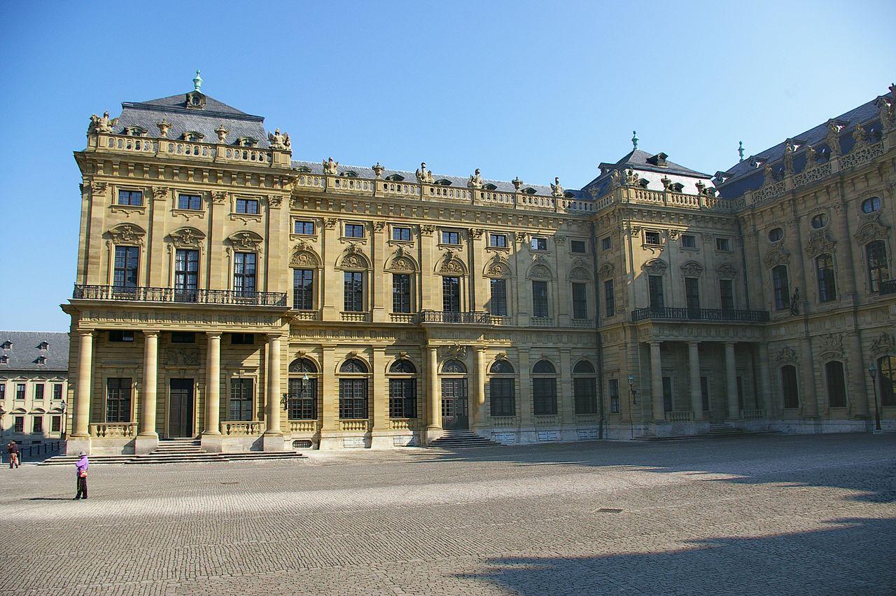 Вюрцбургская резиденция, внутренний фасад