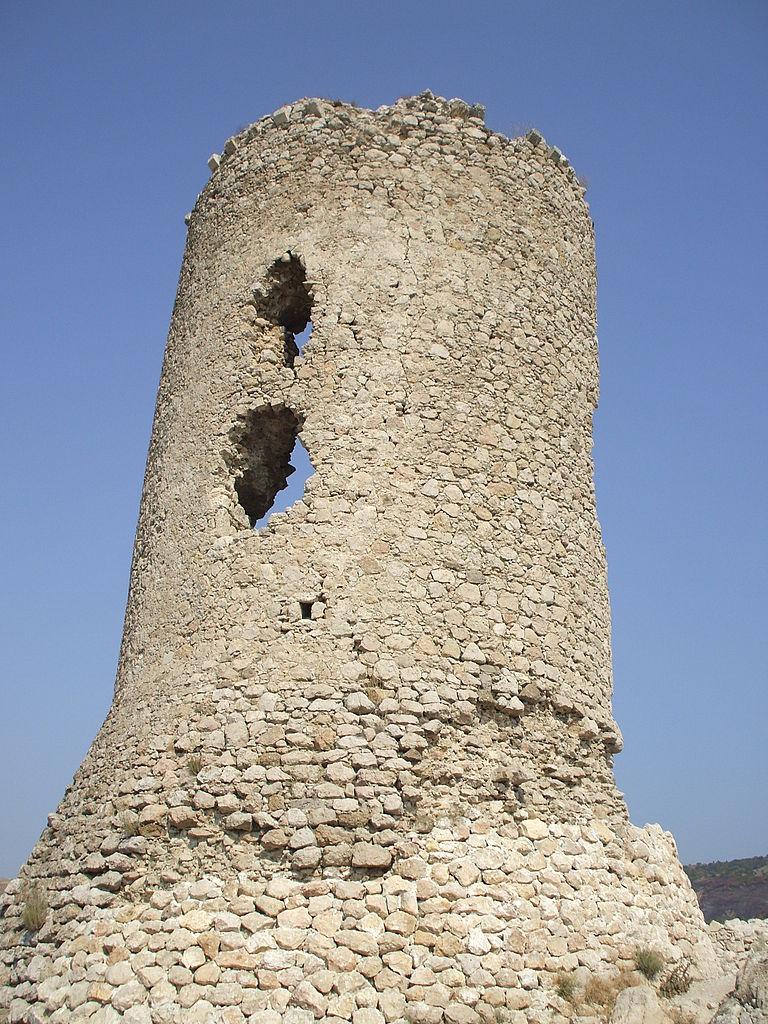 Генуэзская крепость Чембало, донжон
