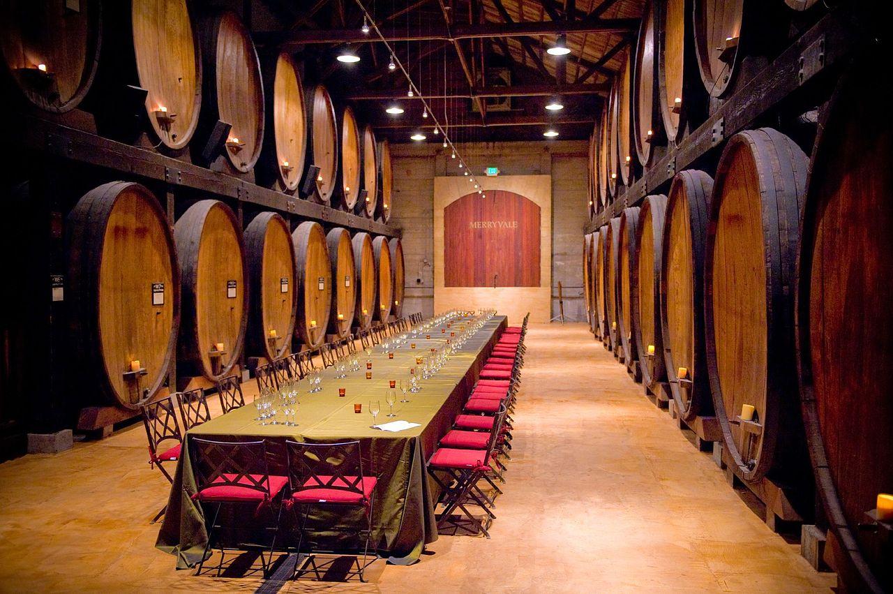 Долина Напа, винный подвал