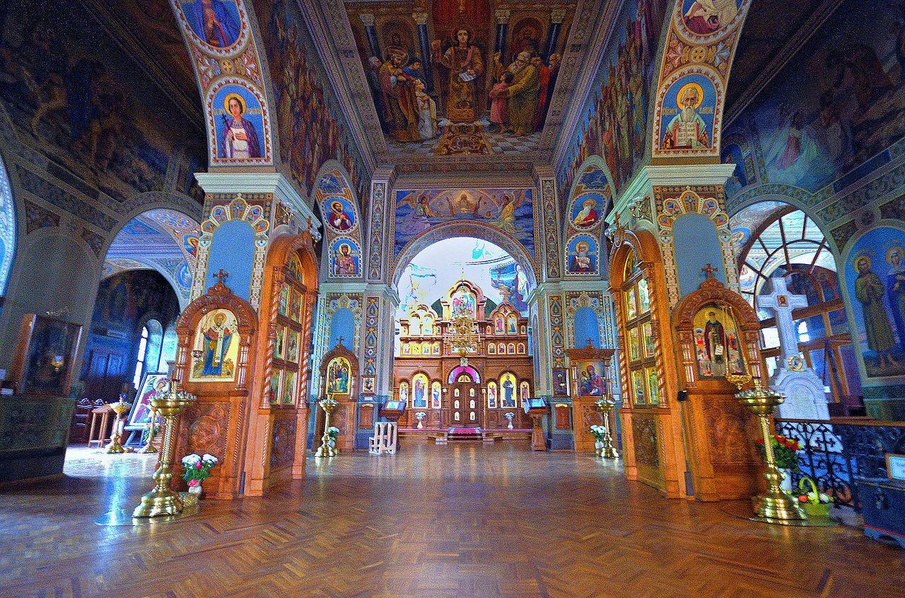 Свято-Троицкий Ионинский монастырь, интерьер