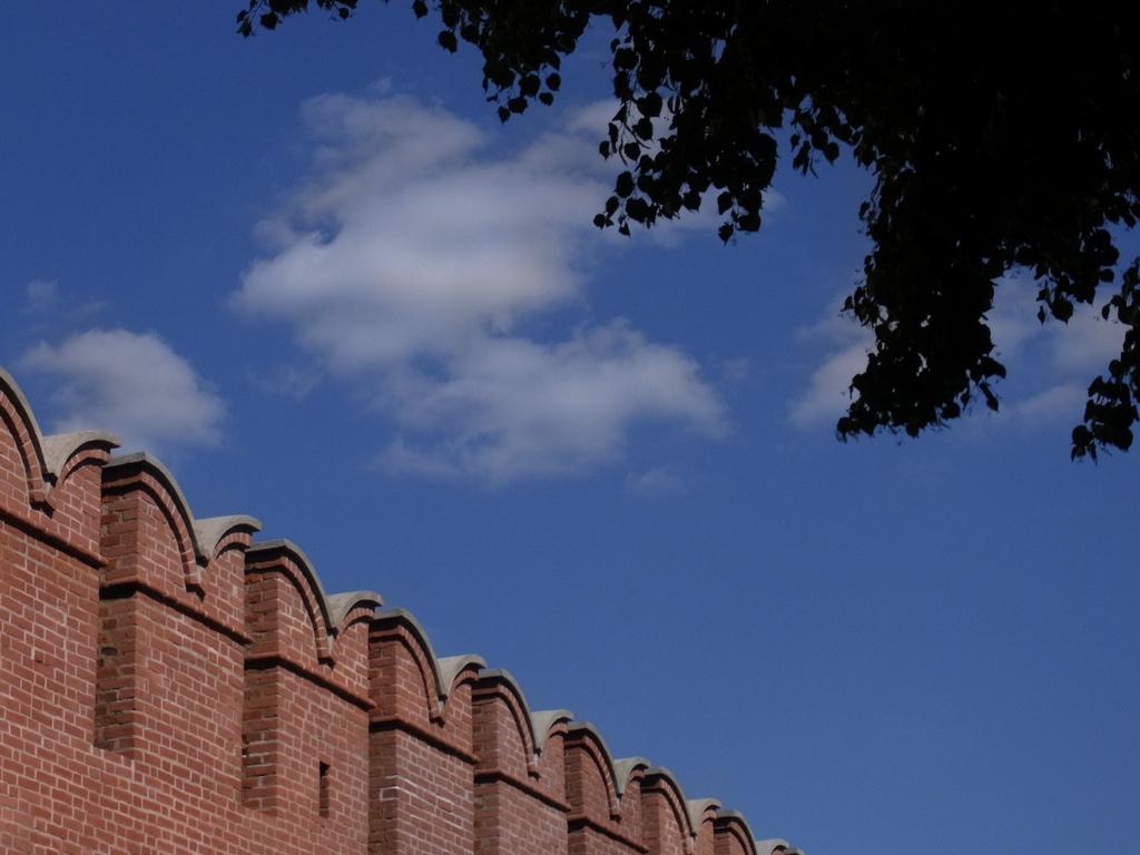 Стена Тульского кремля, Тула
