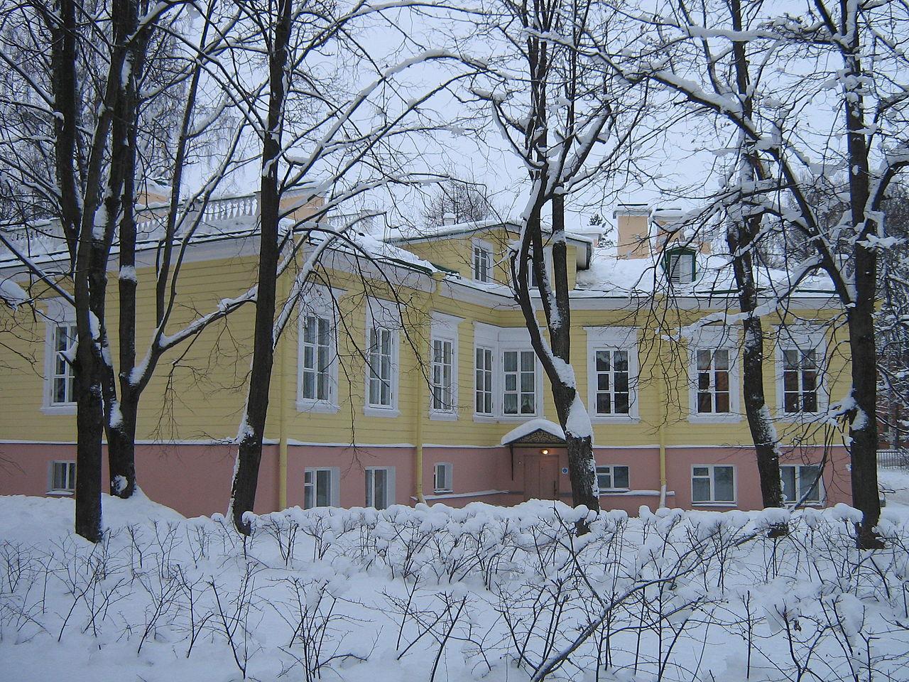 Музей-дача А. С. Пушкина, двор