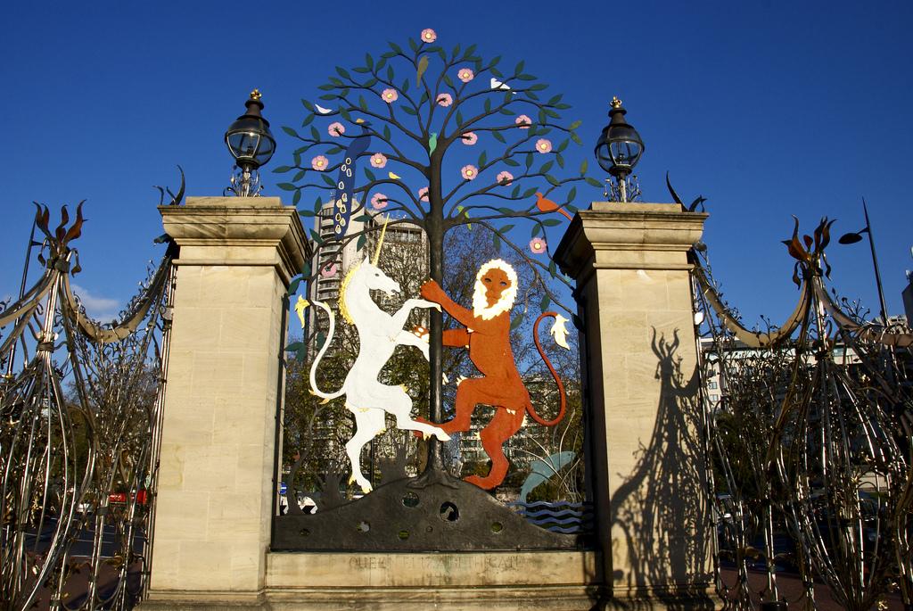 Необычные ворота, Гайд-парк, Лондон
