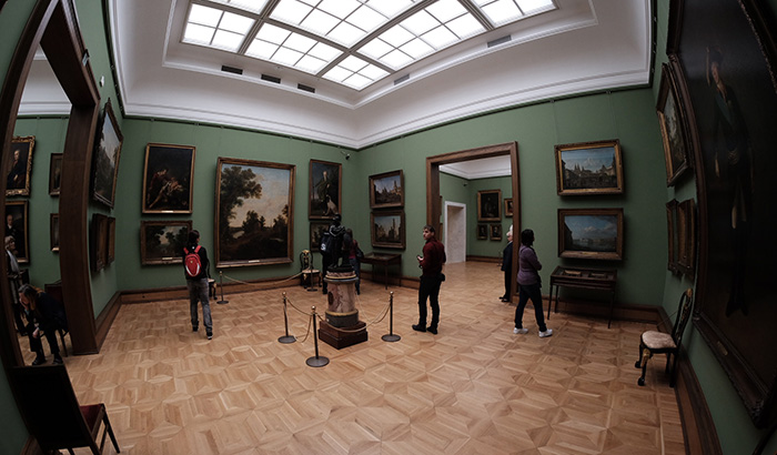 Всемирно известные музеи бесплатно J.jpg