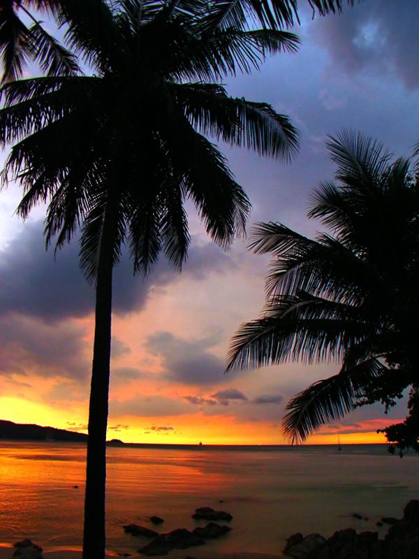 Закат на острове Пхукет