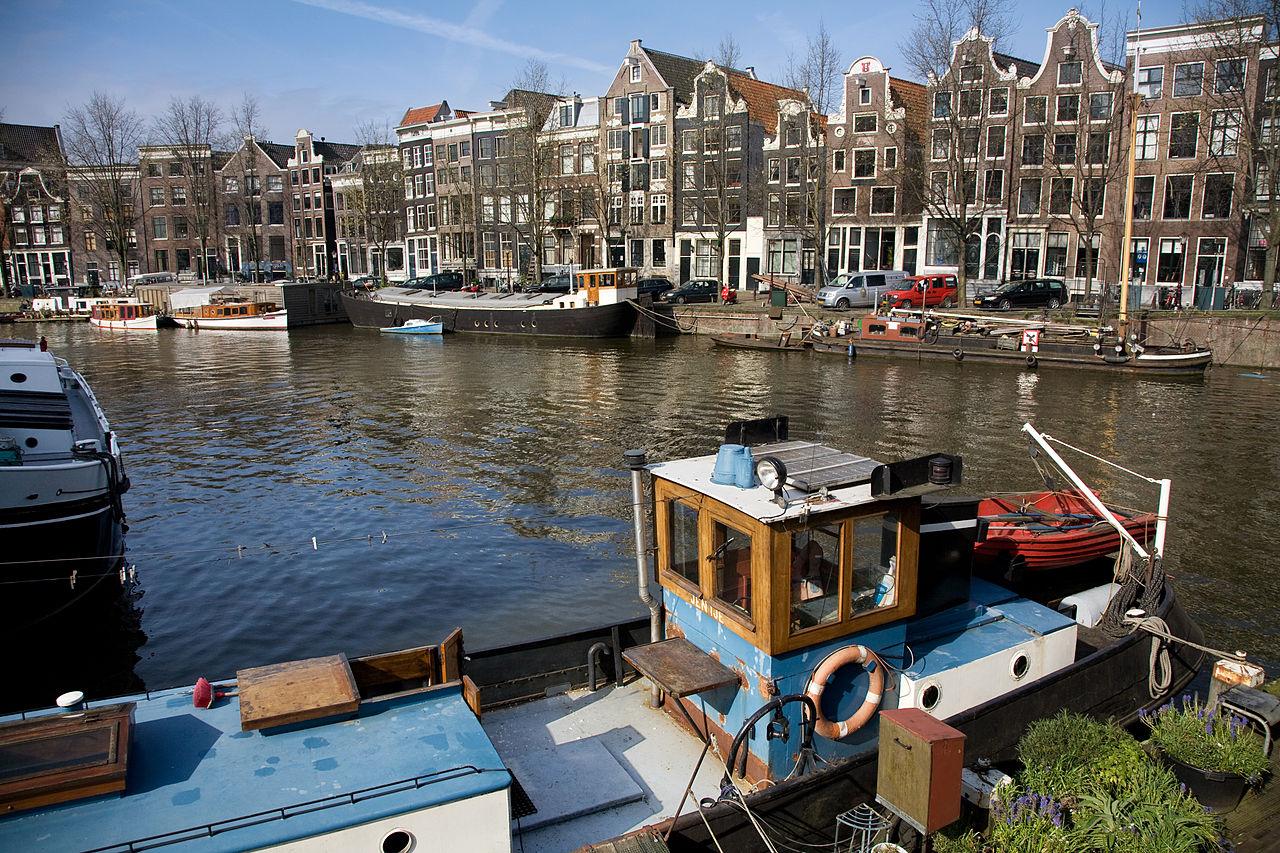 Каналы Амстердама, весна