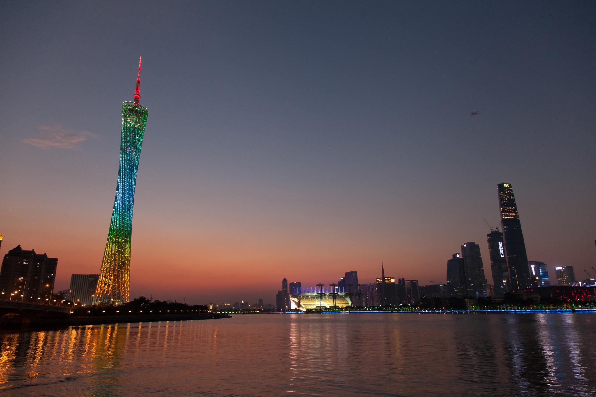 Телебашня Гуанчжоу на закате