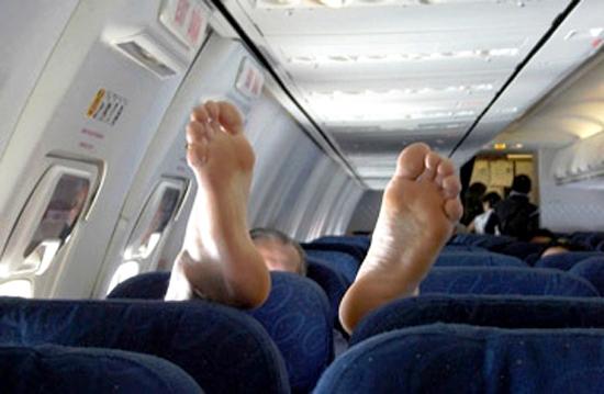 3 Авиадебоширам разрешат летать только на лечение и похороны.jpg