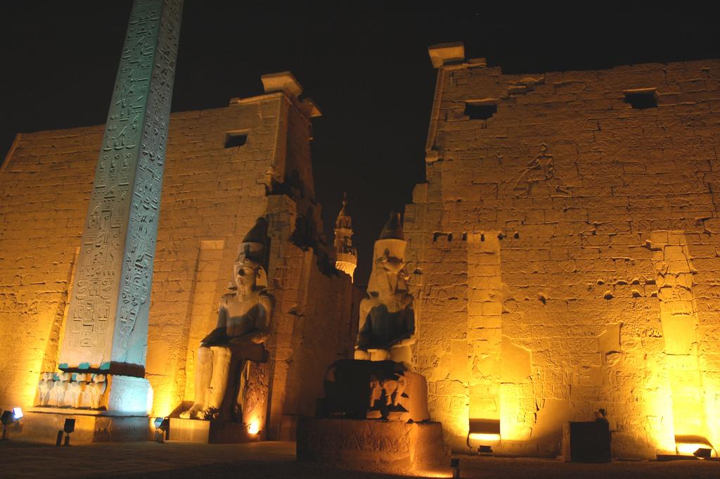 Вход в Луксорский храм, Луксор
