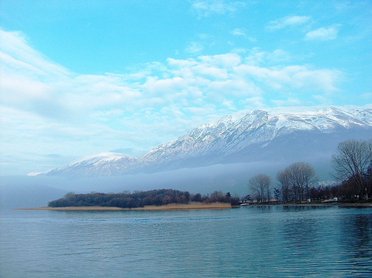 Охридское озеро, вид на гору Галичица