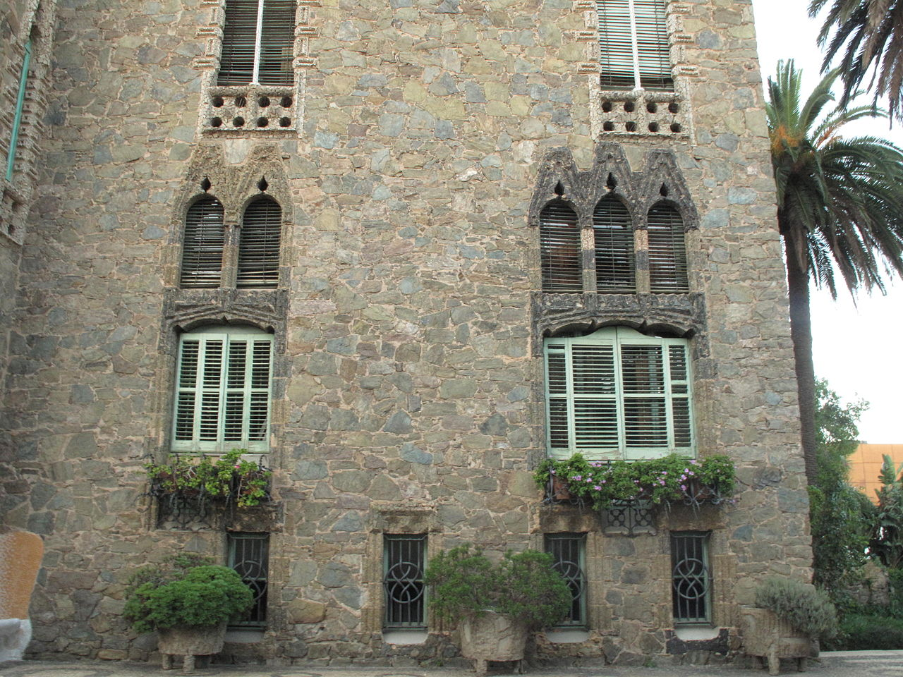 Башня Бельесгуард, фасад