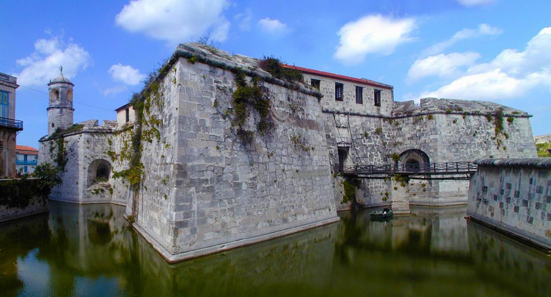Замок в районе Старая Гавана