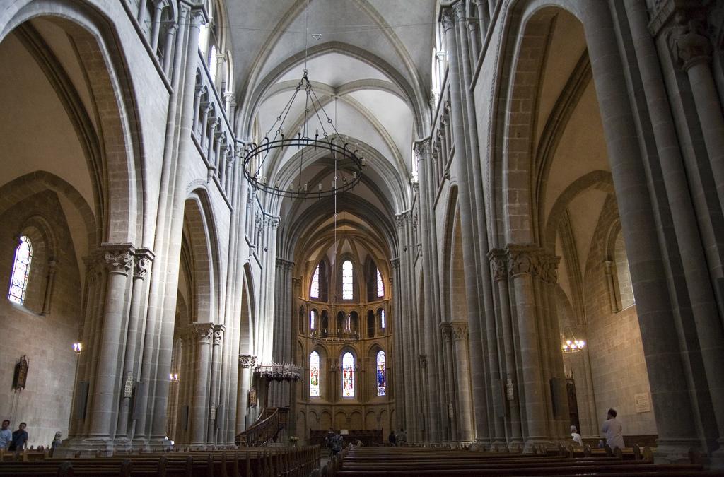 Собор святого Петра в Женеве, неф собора