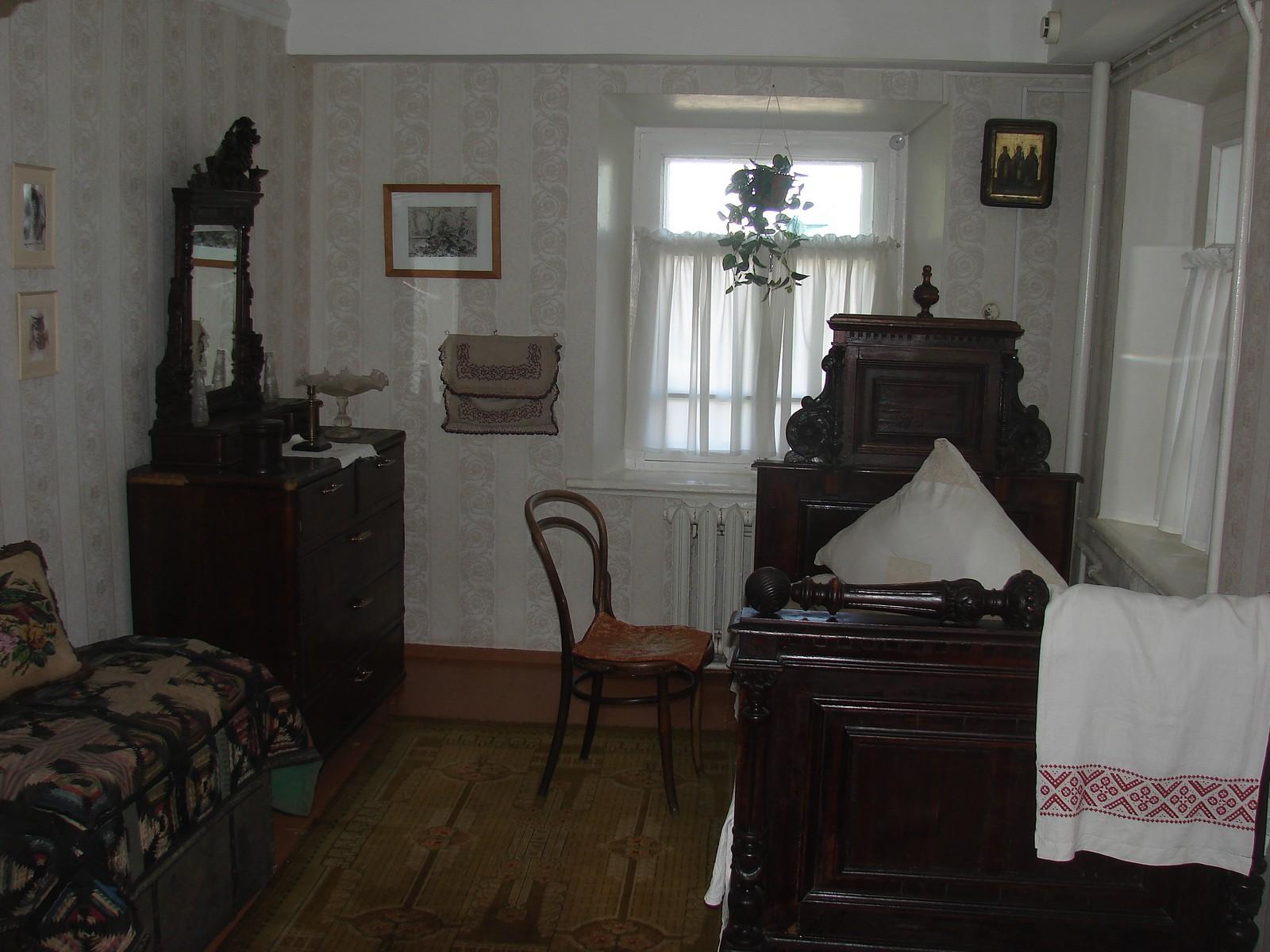 Дом-музей И. И. Шишкина, жилая комната