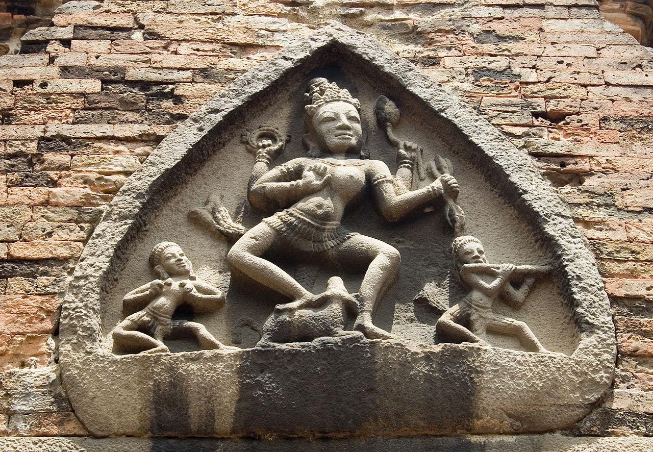 Орнамент на главной башне По Нагар