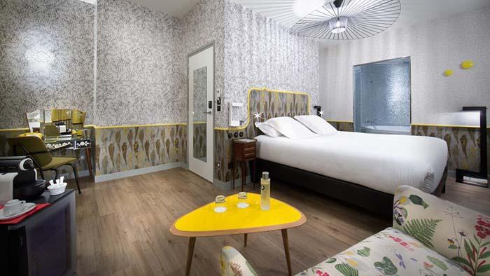 7 доступных отелей Парижа Hotel Crayon 3.jpg