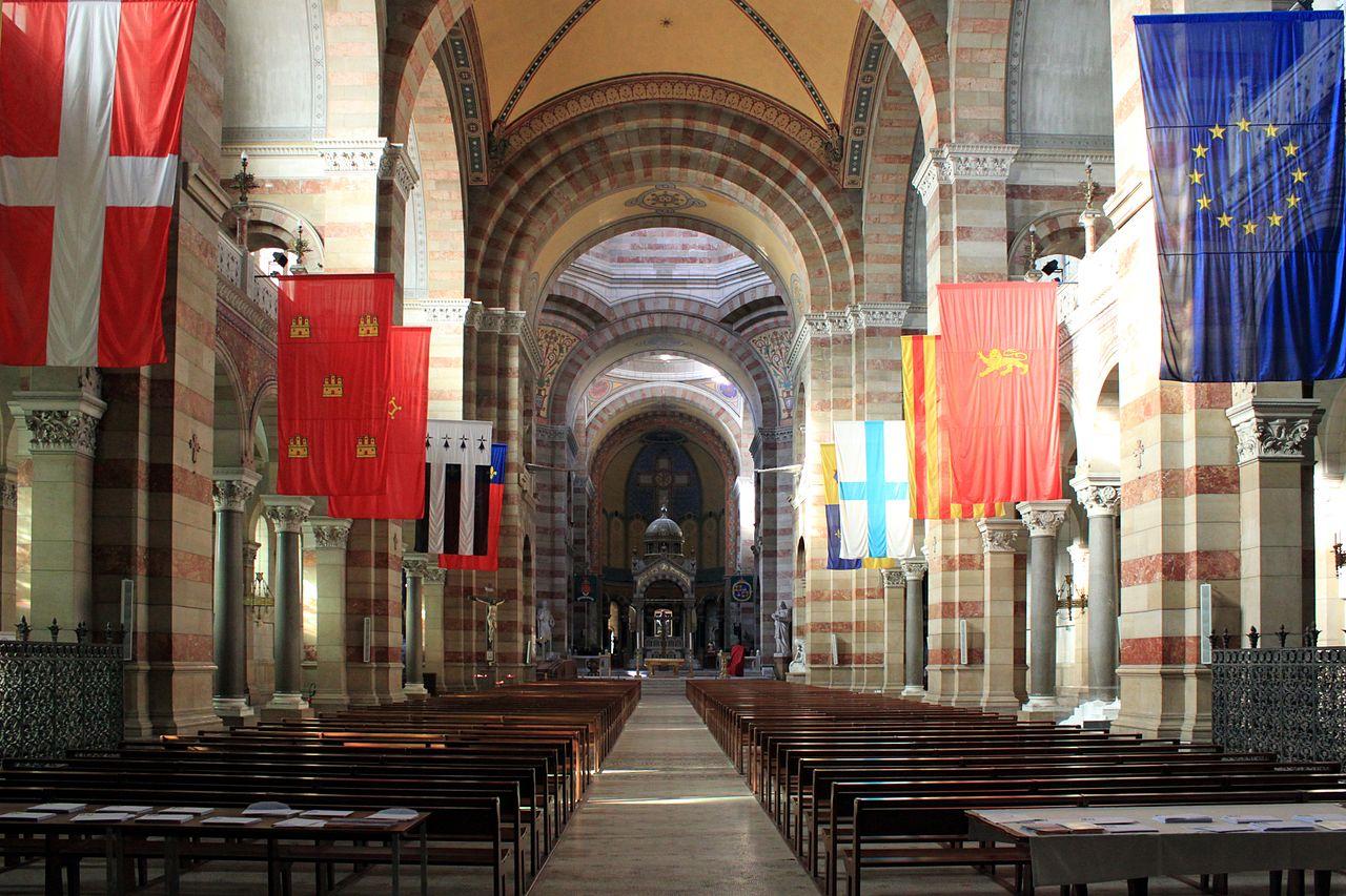 Кафедральный собор Марселя, интерьер