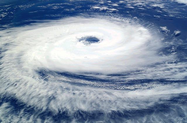 Cyclone-62957 640.jpg