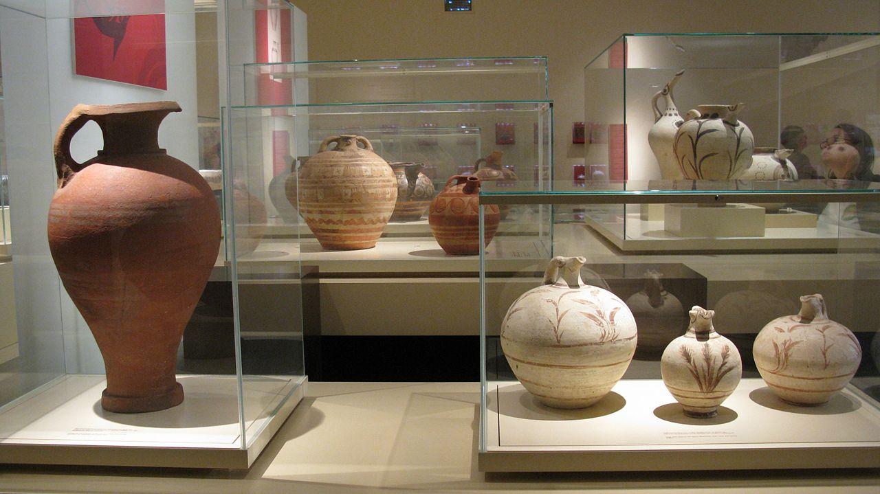 Национальный археологический музей, коллекция сосудов
