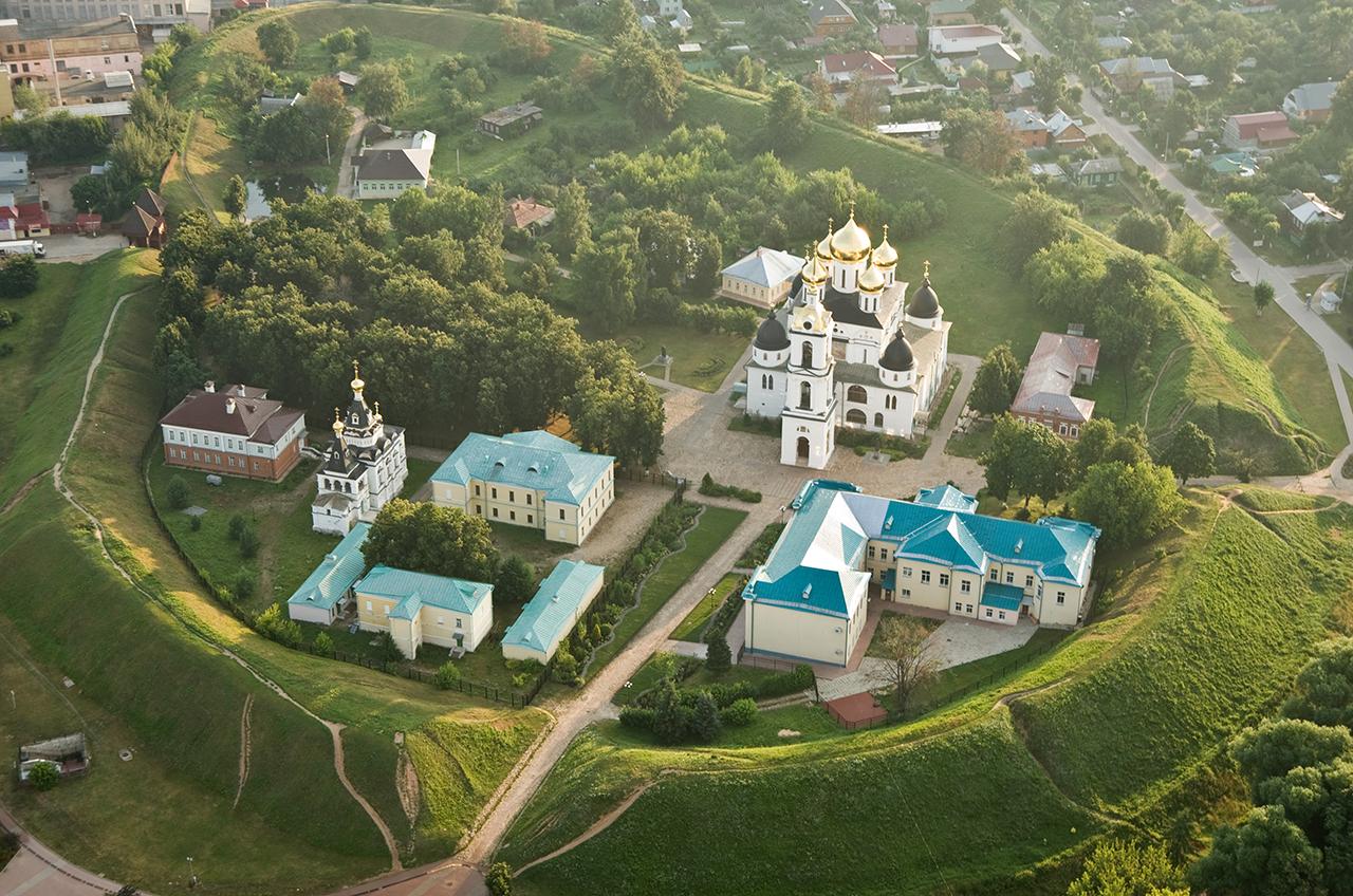 Дмитровский кремль с высоты птичьего полета