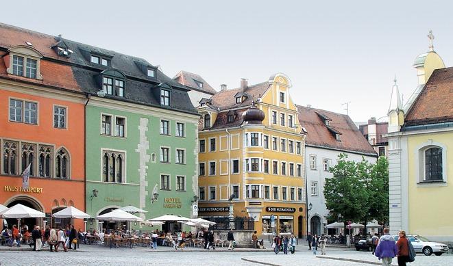 Кафедральная площадь, Регенсбург.jpg