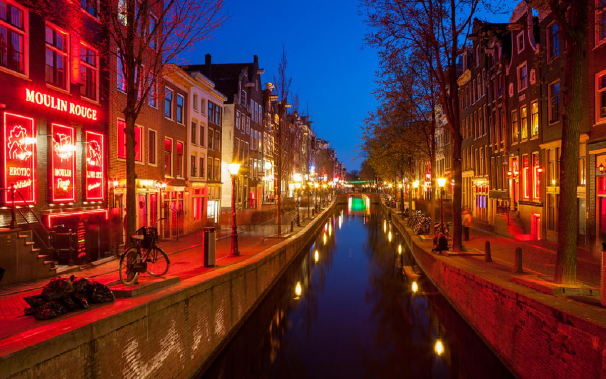 Улица красных фонарей: информация и фото, где находится Улица ...