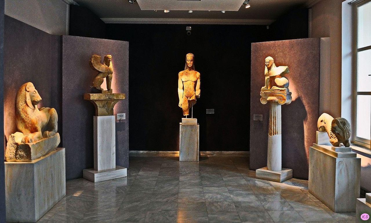 Археологический музей Керамика, курос и сфинксы