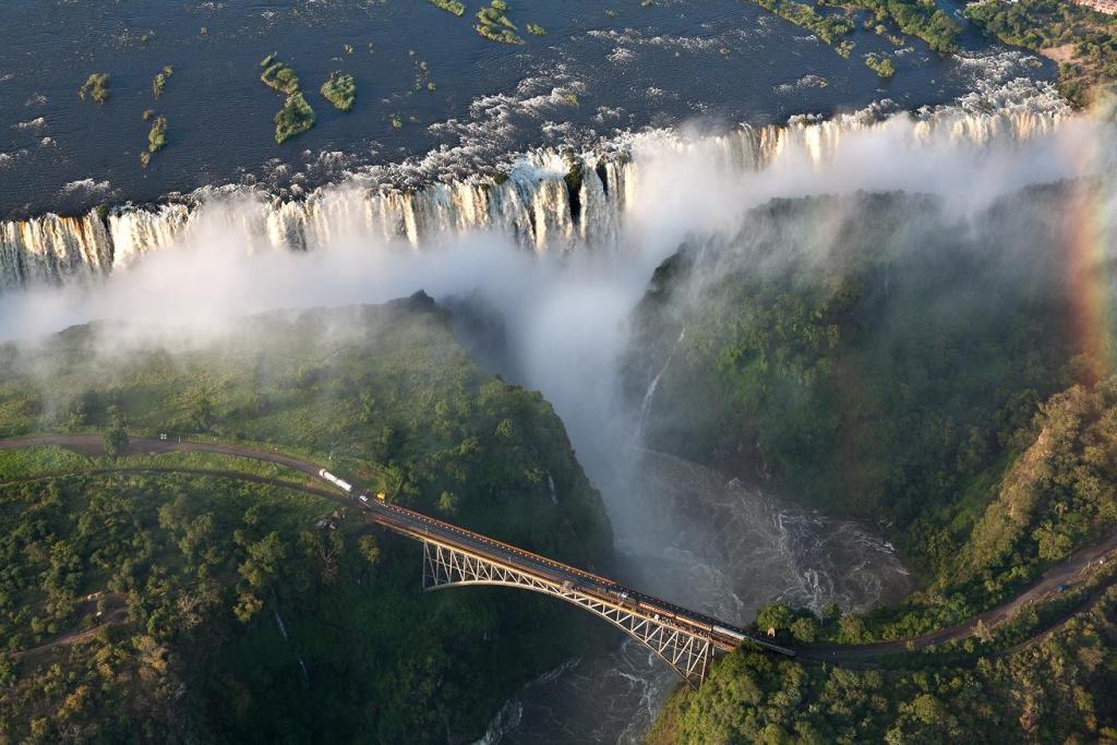 Картинки по запросу Водопад Виктория