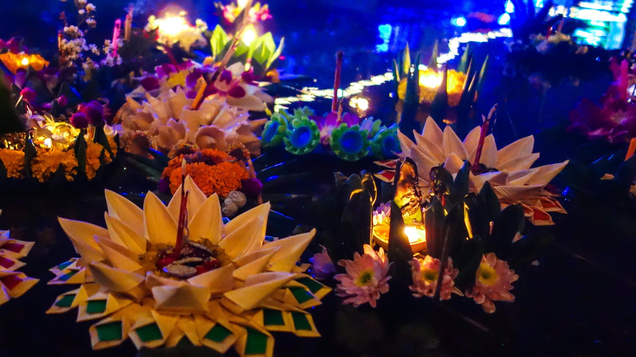 Лодочки из цветов