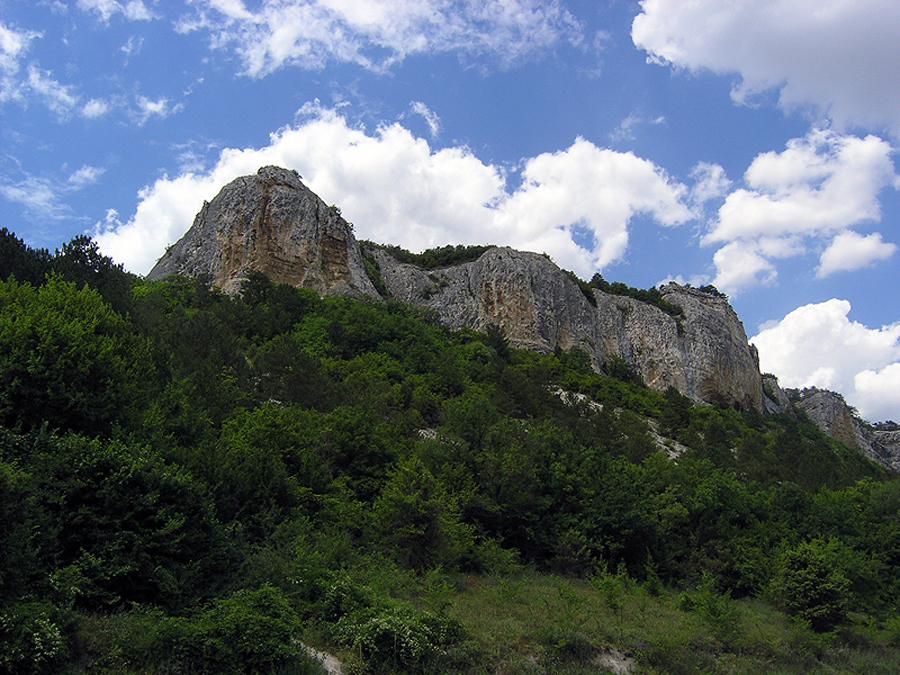 Вид на Пещерный город Мангуп-Кале