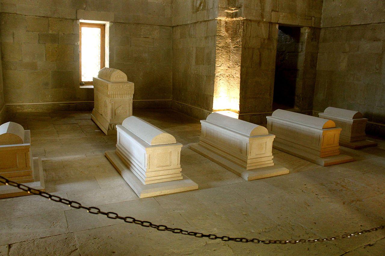Дворец ширваншахов, интерьер гробницы Ширване