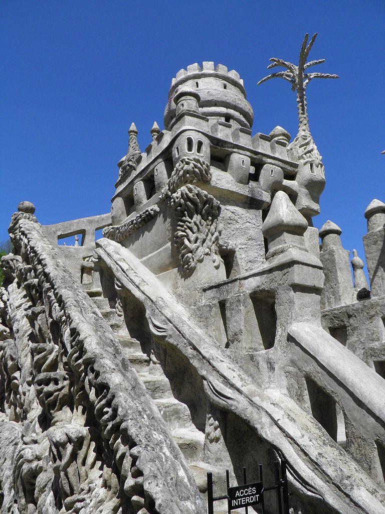 Идеальный замок Фердинанда Шеваля, деталь фасада
