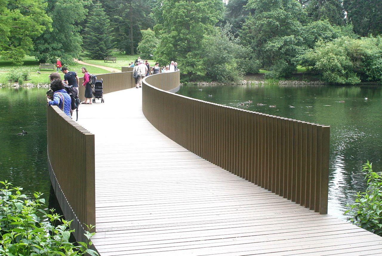 Королевские ботанические сады Кью, мостик Сэклеров
